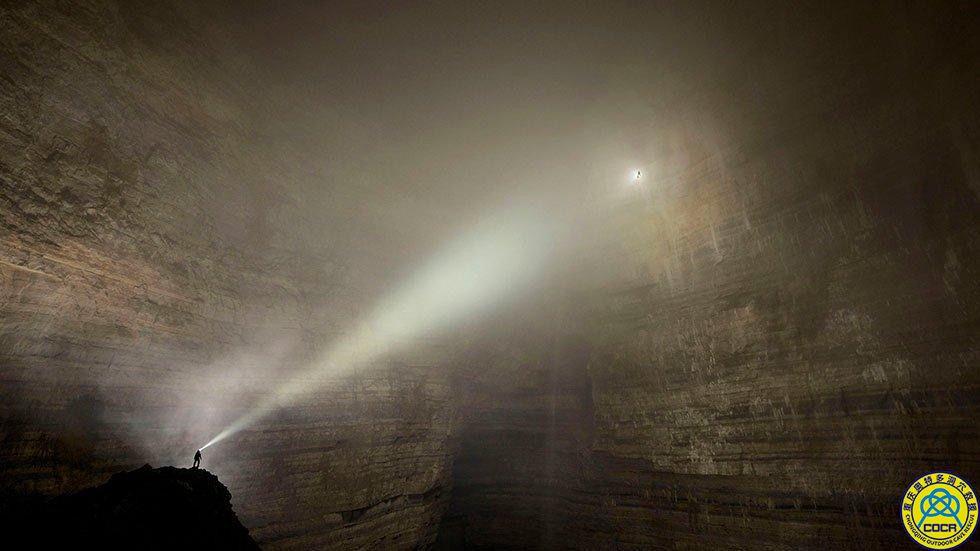 探险重庆武隆巨型洞穴二王洞